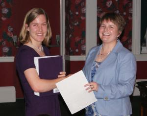 Elizabeth Crow receives the 2011 CRC Freshman Achievement Award