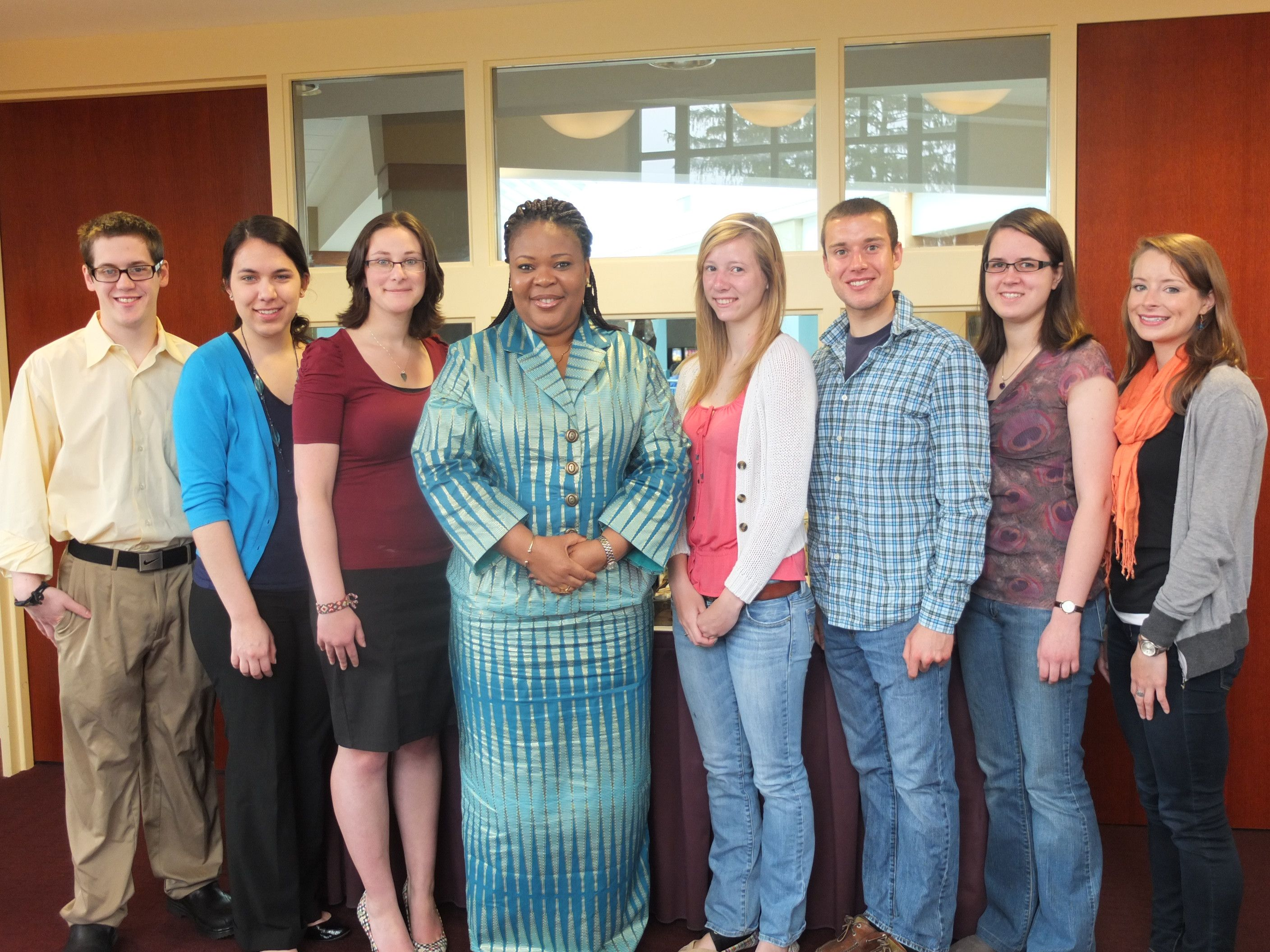 Students with Leymah Gbowee